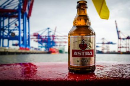 Galerie30 Astra Flasche Hamburger Hafen Motiv 3