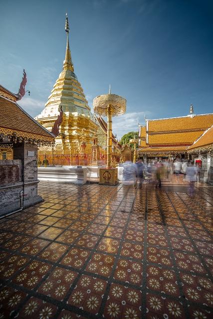 Alte Tempelanlage innen Thailand 905     