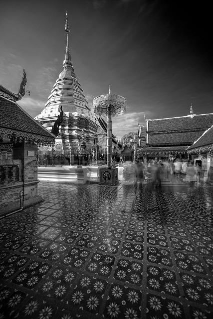 Alte Tempelanlage innen Thailand s/w 904     