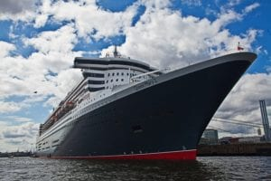 Queen Mary 2 Hamburger Hafen |  |