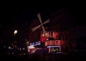 Moulin Rouge Frankreich 944 <br />Katharina HooperSmith <br />