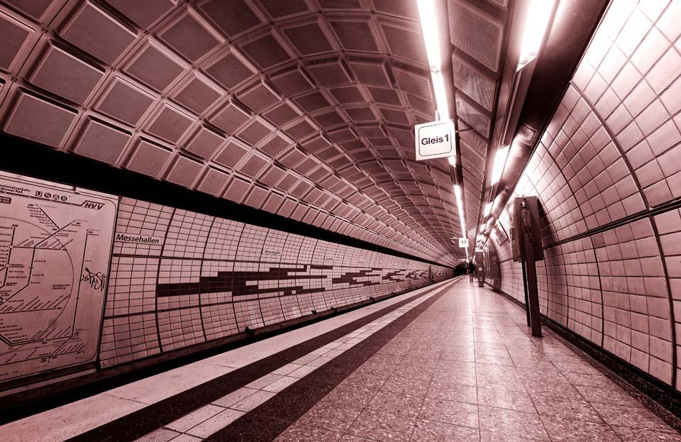 Abfahrt an Gleis 1 Motiv 1104 |  |