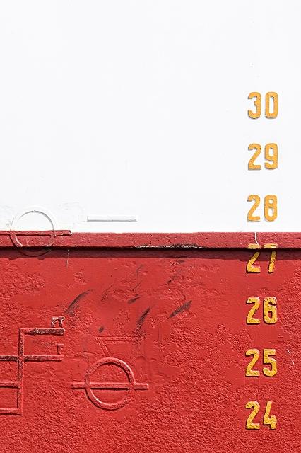 Tiefgangsmarken Schiff Hamburg 965 |  |