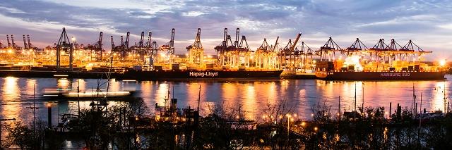 Blick von Oevegoenne Hamburg 972 |  |