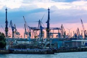 Blohm und Voss Dock Elbe Hamburg 954 |  |