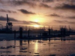 Silhouette am Hafen Motiv 1221 | Nasario Khan |