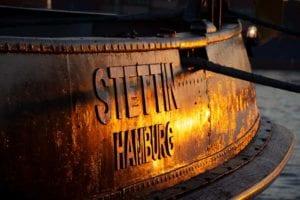 Schlepper Stettin Hamburg im Sonnenuntergang | Carsten Modrow |